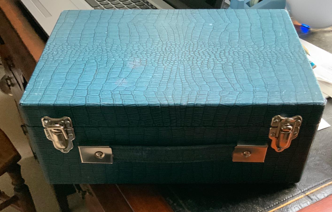 Restoration of vintage suitcase radios